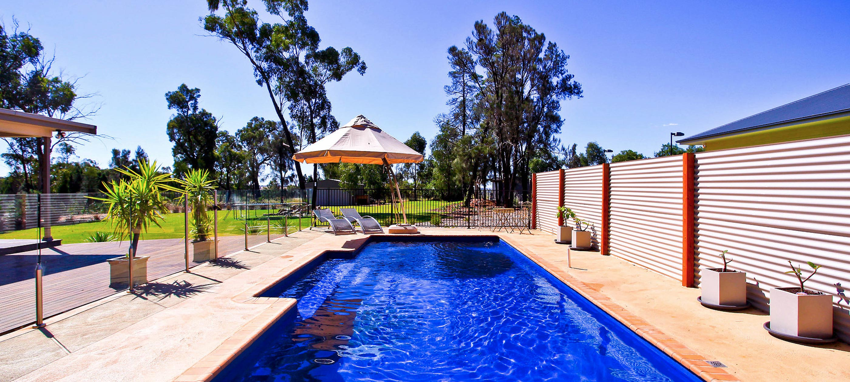 Swimming Pool Builders Melbourne - Coral Pools